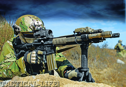 aiming-on-rock-with-m4