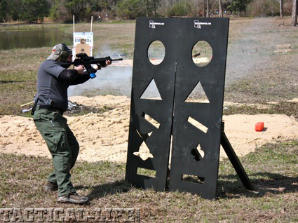 mag-pul-dynamics-student-shoots-around-a-vertical-obstacle-copy