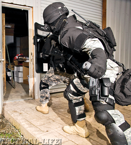 tactical-weapons-swat-c