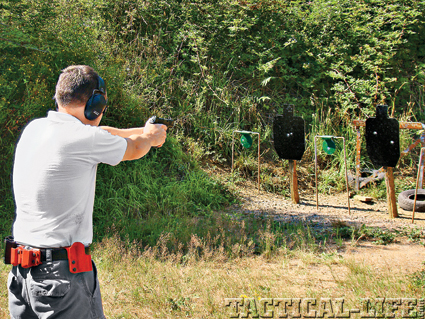 combat-handguns-training-b