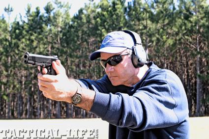 self-defense-and-the-law-combat-handguns-b