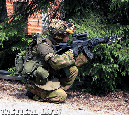 finland-winter-warrior-special-weapons-b