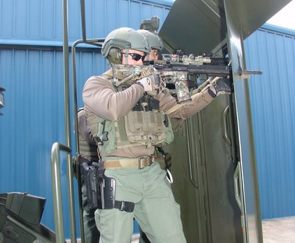 14-operators-on-rook-armored-deployment-platform-13_phatch