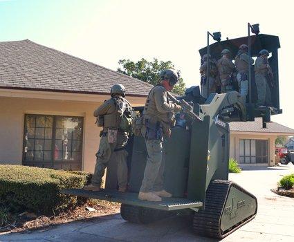 4-rook-armored-deployment-platform-carrying-six-operators-2_phatch