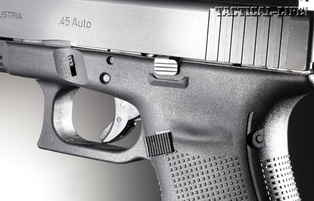 The G21 Gen4's oversized triggerguard allows for use in any condition—even when you have to wear gloves.
