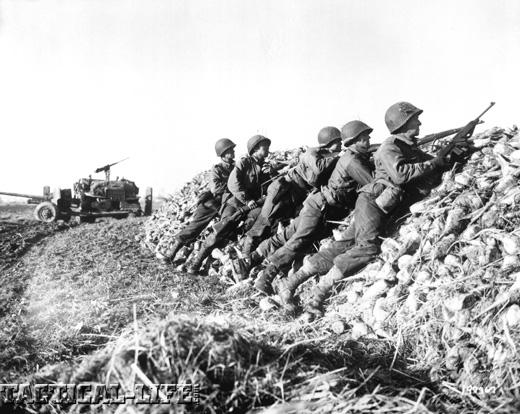 Auto-Ordnance M1 Carbine Soldiers