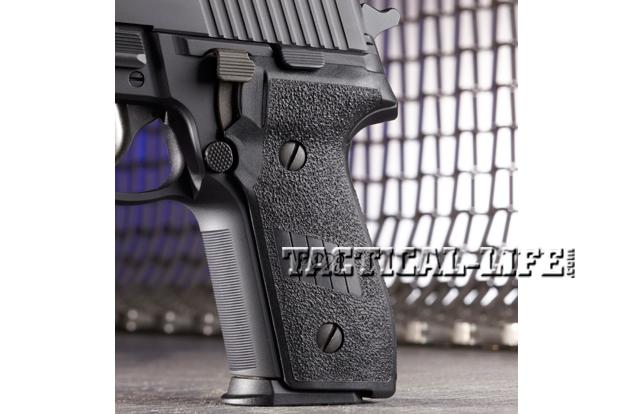 Combat Handguns Sig-Sauer-M11-A1grip
