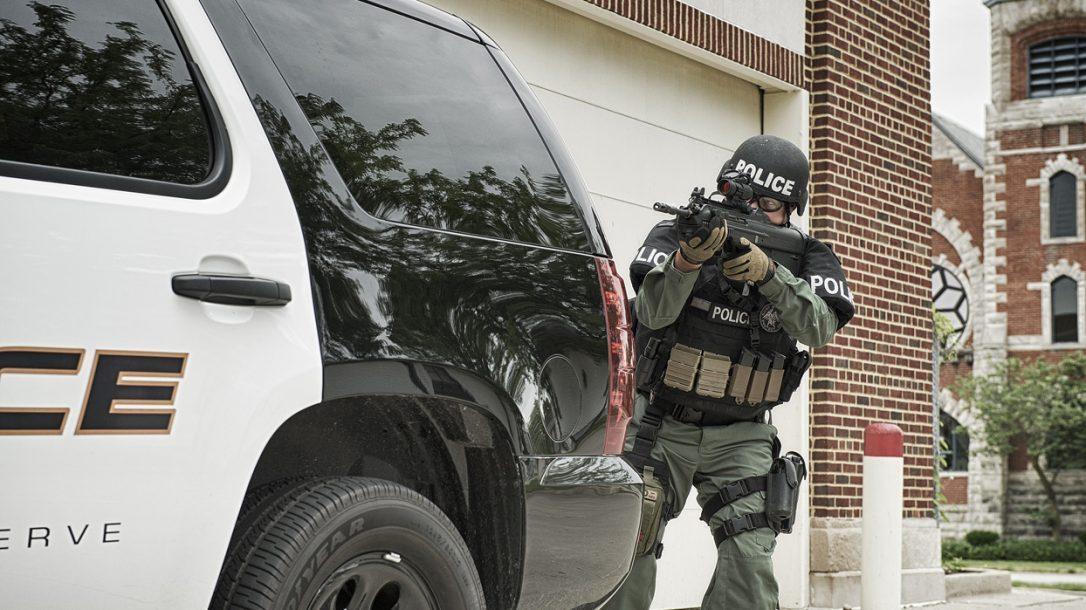 Law Enforcement Tactics - Bullpup CQB Gunfighting