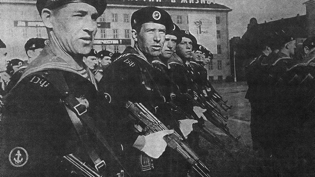 Soviet Troops armed with Kalashnikov rifles (Maxim Popenker photo)