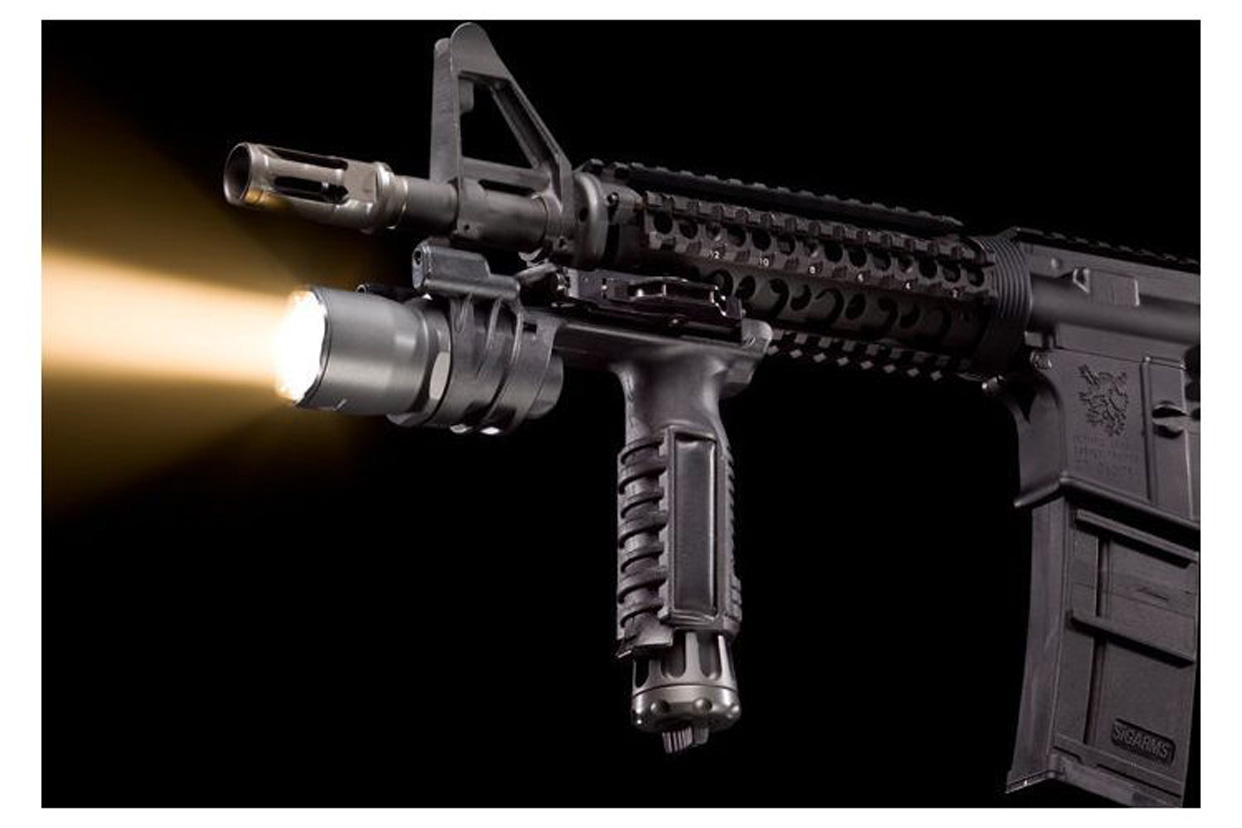 Top 10 Black Guns AR Accessories - SureFire M900A Foregrip WeaponLight
