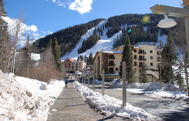 A three-day event honoring veterans, active duty military and military families is set for Jan. 24-26 at Taos Ski Valley, New Mexico.