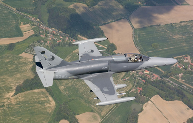 U.S. defense contractor Draken International will purchase up to 28 subsonic L-159 military planes from the Czech Republic.