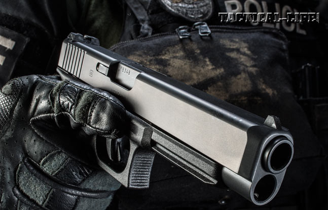 """The longer, narrower slide provides fast """"wand-like"""" handling and target acquisition. Also note the Picatinny rail molded into the dust cover."""