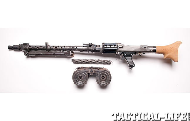 German MG34 detailed left