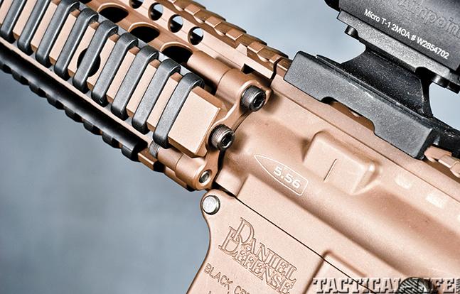 Gun Review Daniel Defense MK18 forend 2