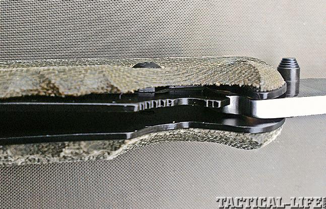 Review SOG Kiku Knives lock