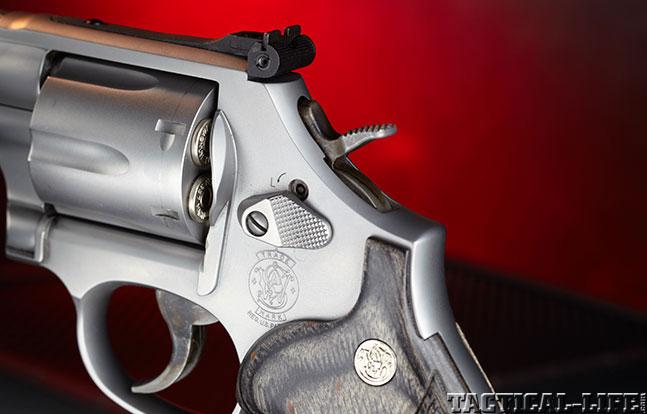 Combat Handguns top revolvers 2014 SMITH & WESSON M686 SSR hammer