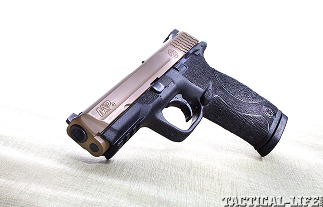 Top 18 Full-Size Guns 2014 BOWIE/SMITH & WESSON M&P .40 S&W lead