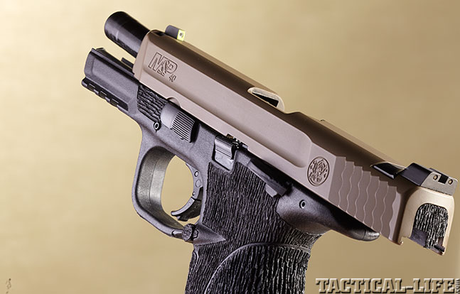 Top 18 Full-Size Guns 2014 BOWIE/SMITH & WESSON M&P .40 S&W slide