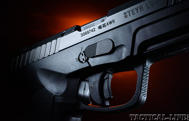 Top 18 Full-Size Guns 2014 STEYR ARMS L9-A1 trigger