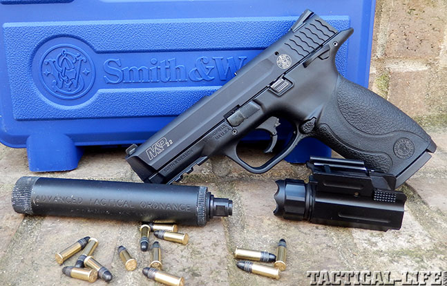 Top 18 Full-Size Guns 2014 SMITH & WESSON M&P22 apart