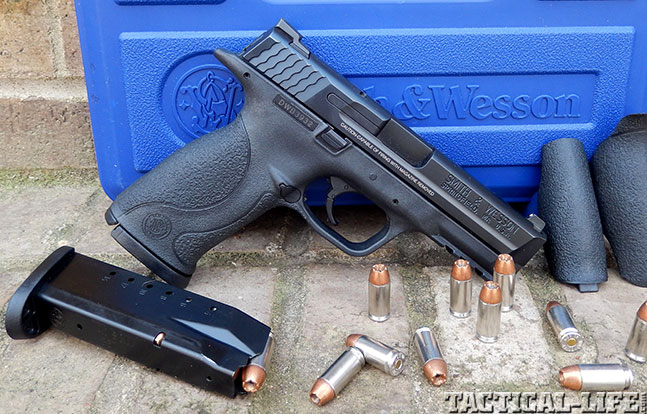 Top 18 Full-Size Guns 2014 SMITH & WESSON M&P40 apart