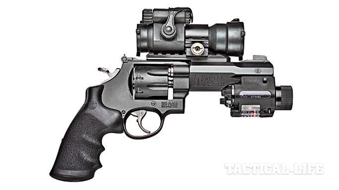Smith & Wesson M&P R8 revolver
