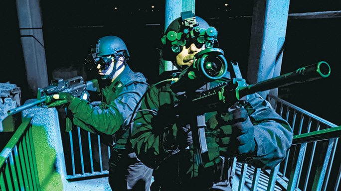 Steiner Optics Cyber Warriors lead