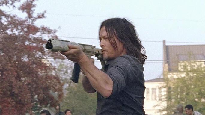 The Walking Dead Season 7 Finale Daryl Dixon gun