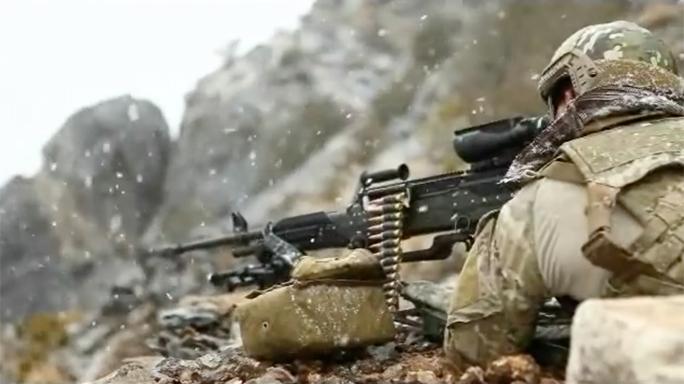 SOCOM Lightweight Medium Machine Guns fire
