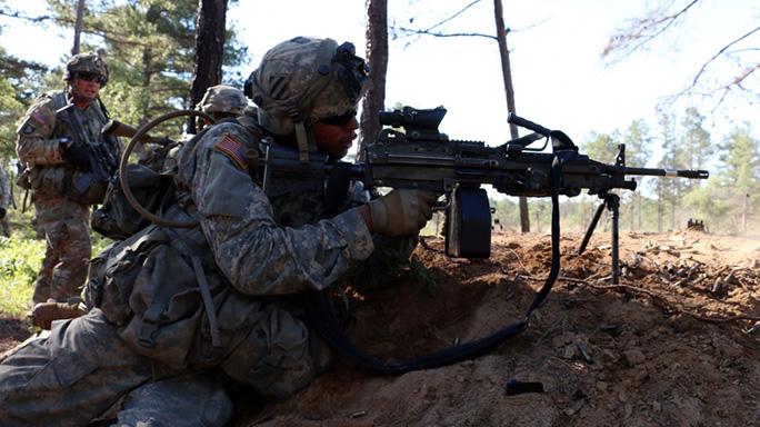 Next Generation Squad Automatic Rifle aim