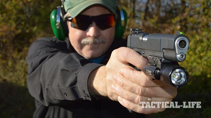 1911 Upgrades pistol aiming