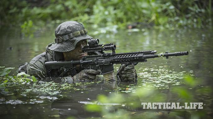 Steyr STM-556/RS-556 rifle operator