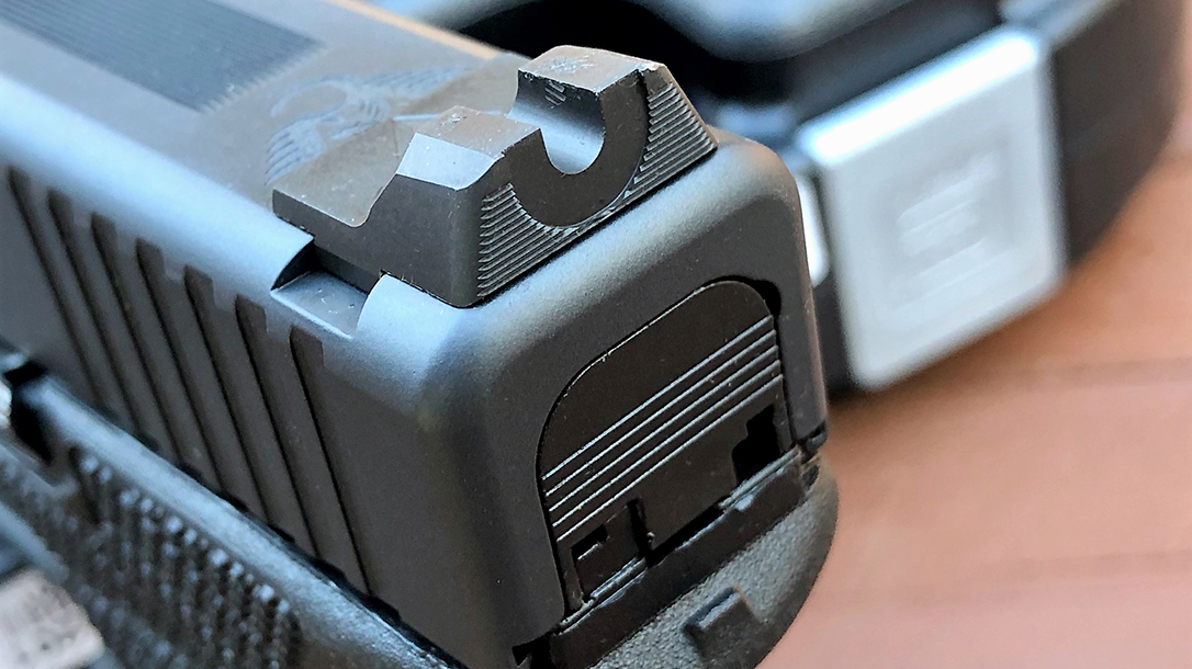 Custom Wilson Combat Glock 19 Gen4 pistol u rear sight