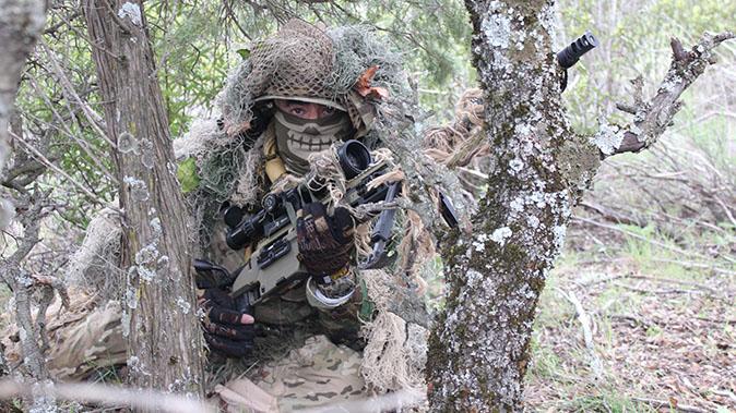 Steyr SSG 08-A1 rifle jungle walk