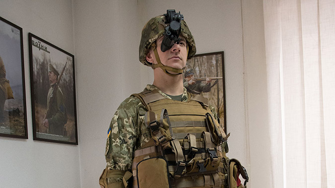 AN/PVS-14 Night Vision Monoculars soldier