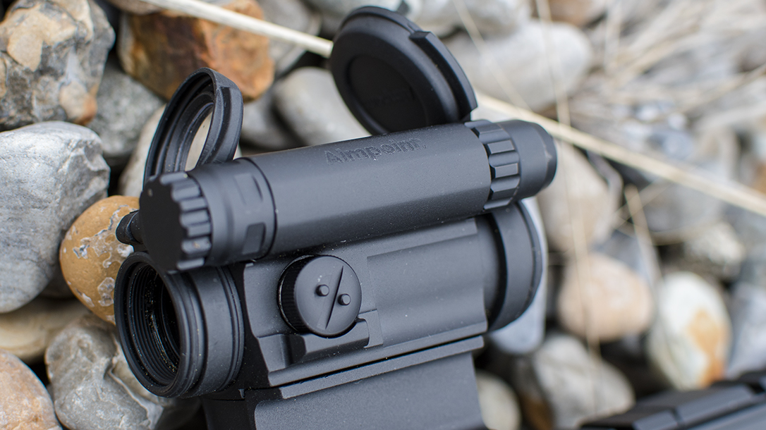 Aimpoint CompM5 red dot optic rocks