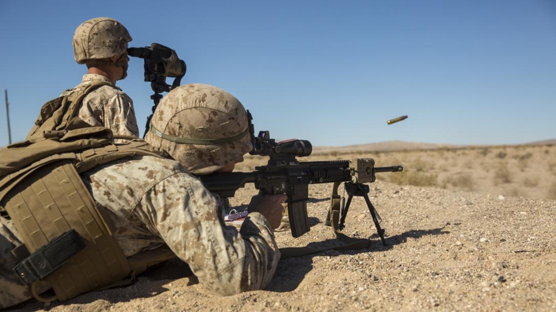 marines m27 iar rifle shooting