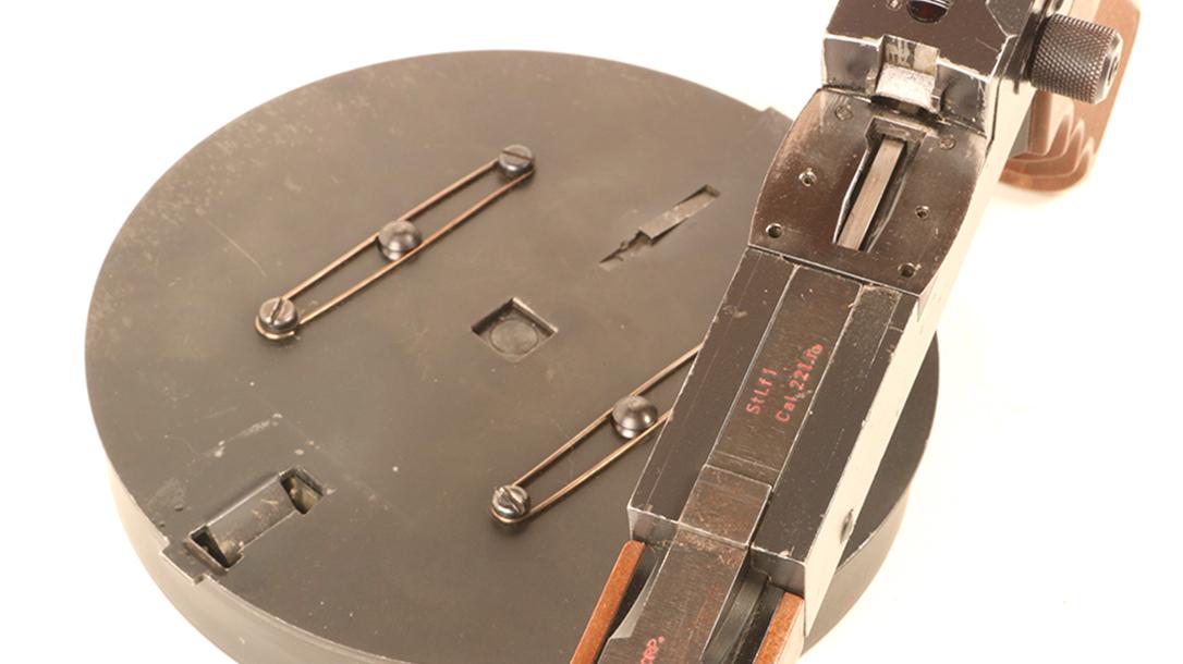 American 180, American 180 submachine gun, American 180 subgun, American 180 submachine gun drum magazine