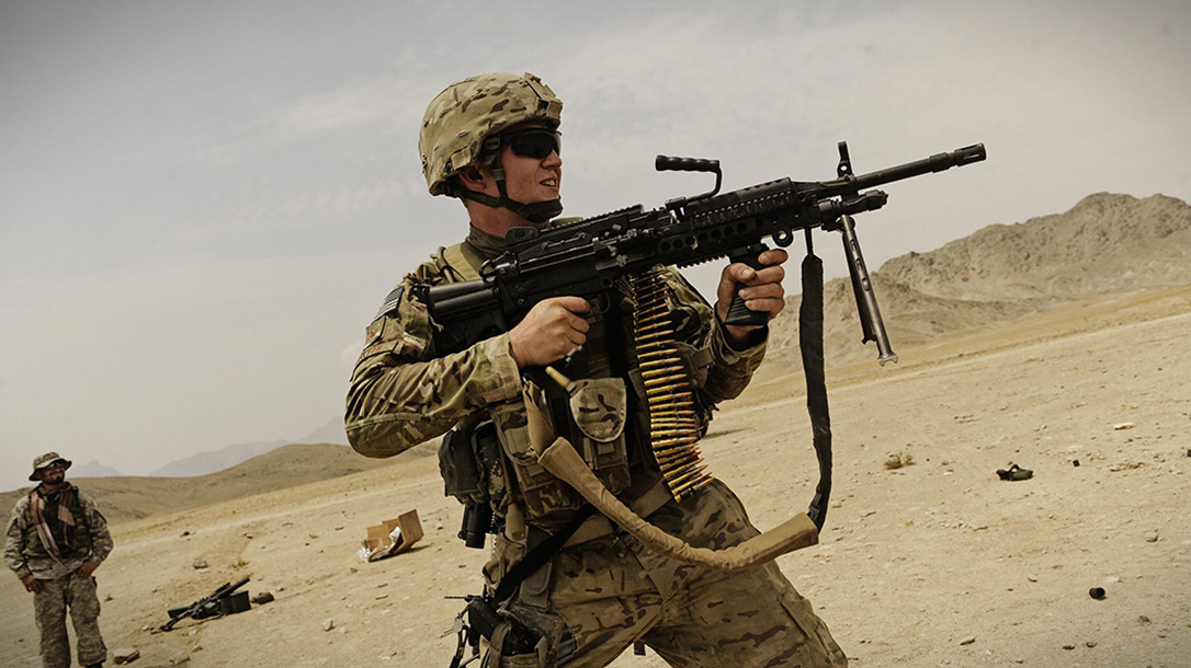 FN, FN MK 48, FN MK 48 LIGHT MACHINE GUN, FN MK 48 LIGHT MACHINE GUN FIRING