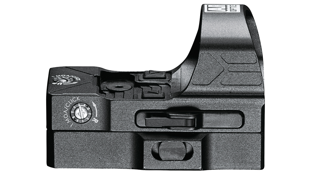 The external battery tray enables replacement without taking off the optic, a welcome addition.