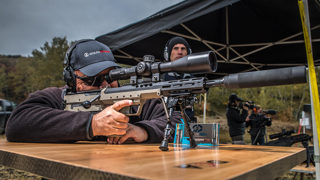 The author engaged targets out to 1,400 yards during testing.
