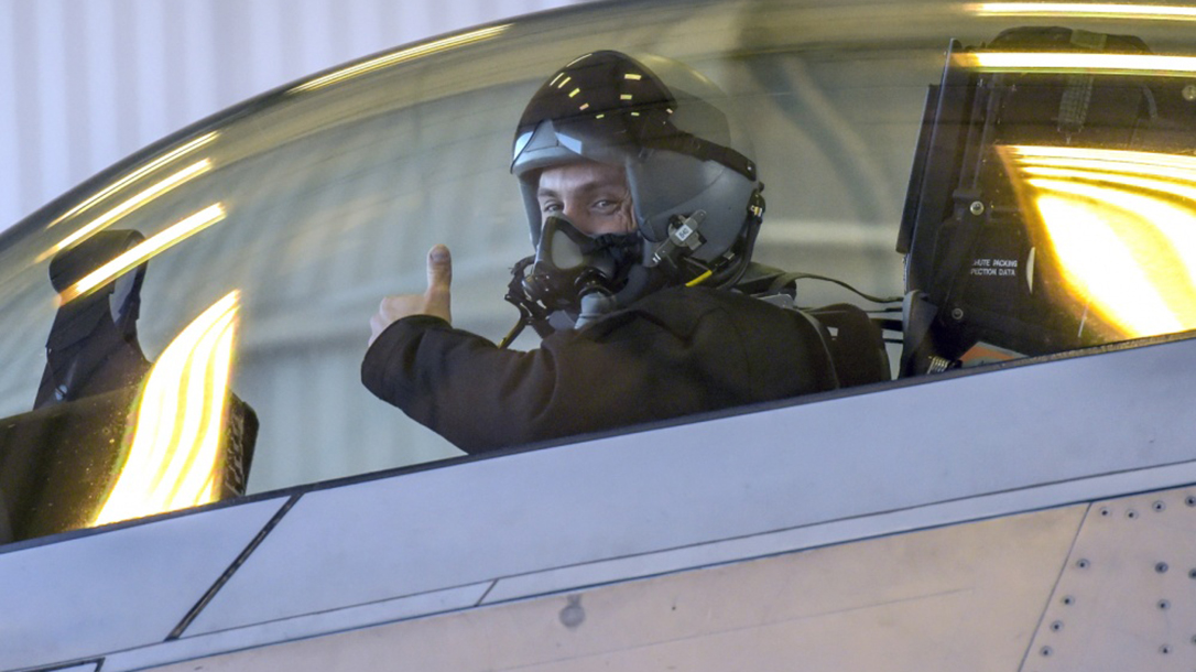The Air Force is reportedly offering its aviators a bonus of up to $420,000 to stay in uniform.